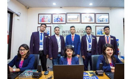 Our Team _03.